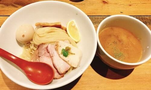 『麺屋翔』新宿で超おすすめの塩ラーメン&鶏白湯つけ麺