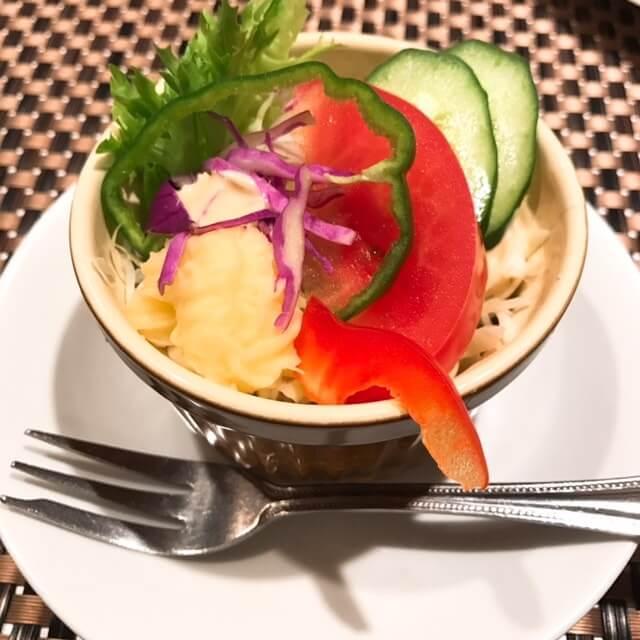 中野アザミ(AZAMI)ランチのサラダ