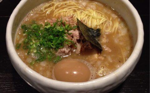「まぜそば」と「かけそば」が美味しい『俺の空』 at 新宿
