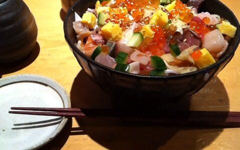 下北で高コスパな海鮮丼・寿司ランチを喰らうならすし屋魚真さん