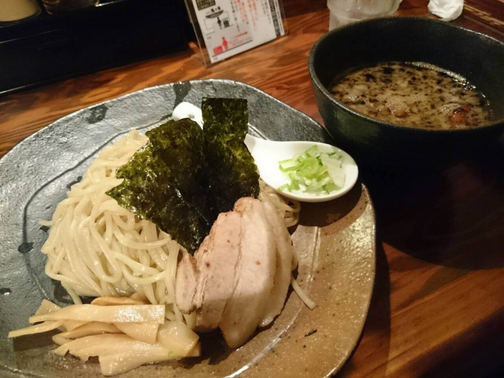 新宿龍の家豚骨ラーメン豚骨ラーメンつけ麺