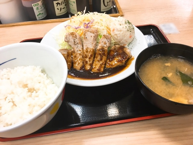 松屋豚テキ定食(トンテキ)