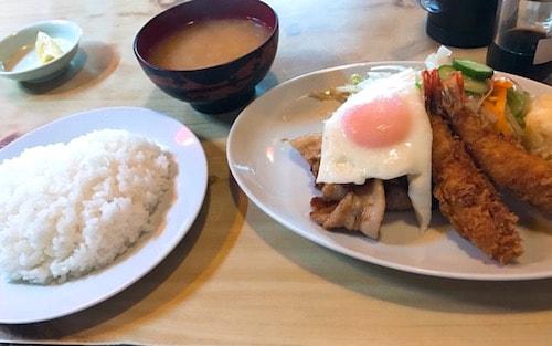 キッチン竹乃子エビフライしょうが焼き定食